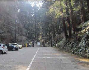 行道山浄因寺駐車場